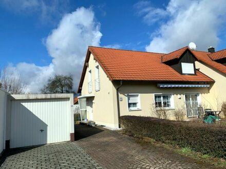 Attraktive Doppelhaushälfte in ruhiger Wohngegend von Neuenmarkt