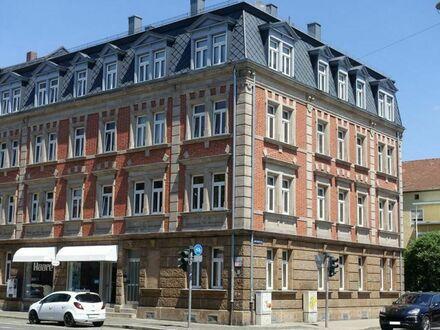 +++ Sehr schönes denkmalgeschütztes 9-Familien-Mietswohnhaus mit großem Hofgarten und einer Gewerbeeinheit +++