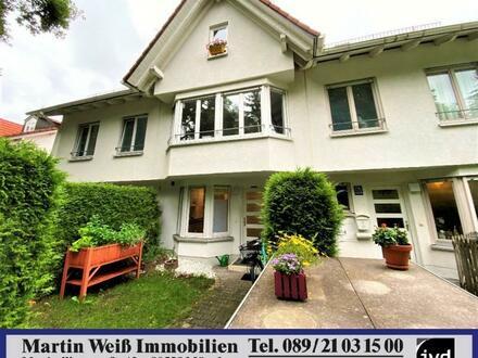 """Idyllisches """"Hideaway"""": Modernes Reihenmittelhaus in München-Forstenried Nähe Forstenrieder Park"""