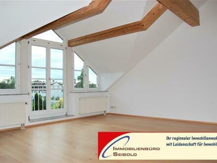 Neufinsing - Hier sind Sie immer oben: 3-Zimmer-Dachgeschoßwohnung in charmanter Nachbarschaft - Immobilienbüro SEIBOLD