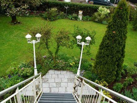 Tolle 4 Zimmerwohnung mit Dachterrasse und Gartenanteil