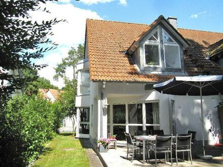 Willkommen Zuhause! Elegante Doppelhaushälfte in traumhaft schöner Waldrandlage von Erlangen-Eltersdorf