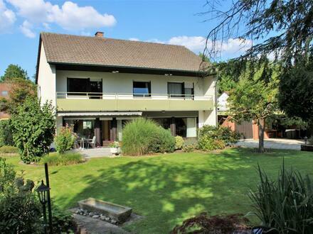Traumhaus in Traumlage! Charmantes Architektenhaus mit parkartigem Garten in bester Wohnlage von ER-Sieglitzhof