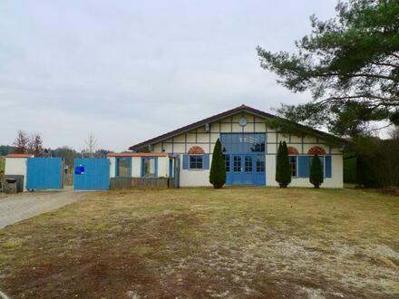 Landhaus mit 2 Einheiten, großem Grund & Ponystall - Ideal für die große Familie oder zum Wohnen und Arbeiten!