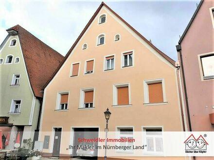 Großzügige 2 1/2-Zimmer-Wohnung in TOP-saniertem Schmuckstück im Herzen von Hersbruck