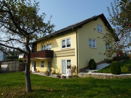 Passau West Einfamilienhaus mit Balkon, DG-Studio, Terrasse, Do-Garage und herrl. Garten