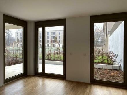 Living-Haar Whg. 43 / Geräumige 2-Zimmer-Wohnung mit Terrasse