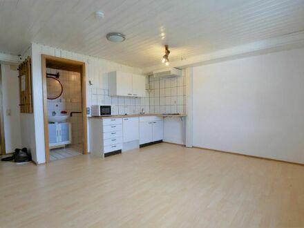 Rödental-Oberwohlsbach: Kleines Apartment mit Stellplatz - ideal als Pendler- oder Zweitwohnung