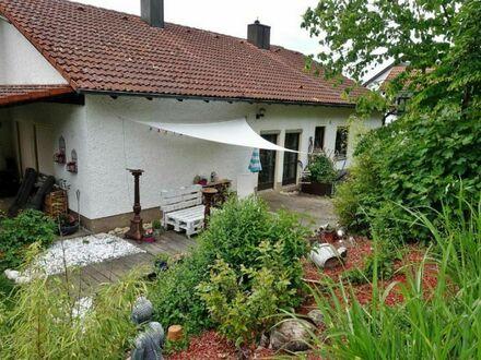 Bad Abbach: vermietetes Einfamilienhaus mit Doppelgarage und herrlicher Aussicht