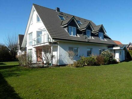 Selbst wohnen und vermieten: top-gepflegtes Zweifamilienhaus