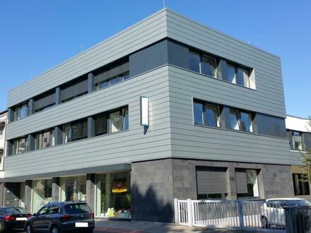 Peine- Kernstadt ! Attraktive und moderne Praxis.-und Gewerbeflächen – zur Miete – mit optimaler Anbindung ( Werderstra…