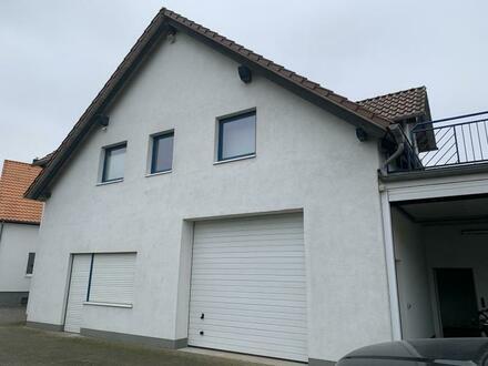Gewerbefläche / Werkstatt / Lager mit schiker Betriebswohnung in Wendeburg OT Harvesse