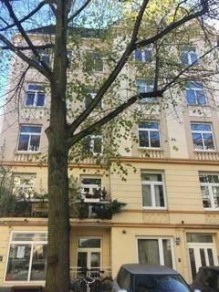 Charmante 2-Zimmer-Altbau-Wohnung mit Balkon in begehrter Eimsbütteler Lage zu kaufen!
