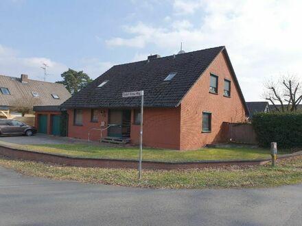 Zweifamilienhaus mit Vollkeller, Doppelgarage und Nebengebäude in Rohrsen zu vermieten