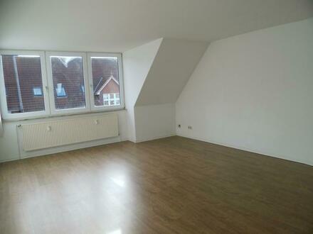 Wohnen in gemütlichen Kleinstadt - mit Wanne & Stellplatz, neuer Boden