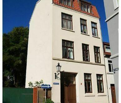 Hübsche Wohnung mit Balkon in der Altstadt zu vermieten