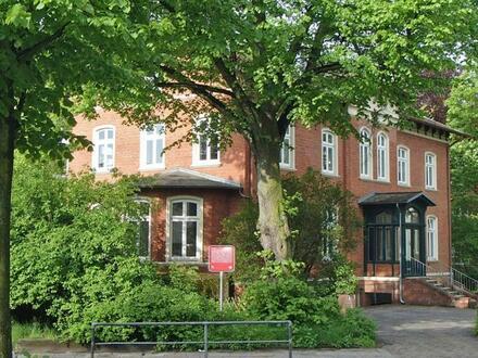 Sonniges Altbau-Büro in Wandsbek! Sehr gut erreichbar! Repräsentatives Gebäude!