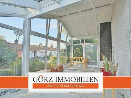 VERKAUFT - Ebenerdiges Wohnen mit großem Wintergarten in beliebter