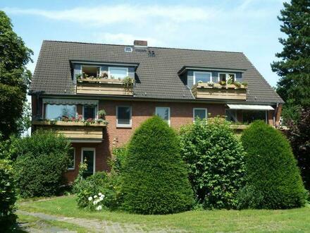 sehr gepflegte 2,5-Zimmer-Wohnung mit Balkon und Garage in zentraler Wohnlage