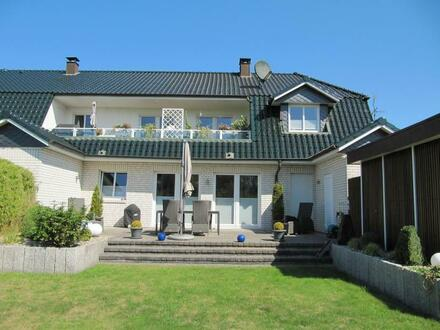 Wohnambiete der besonderen Art: 4-Zimmer–Eigentumswohnung im Erdgeschoss mit Terrasse in herrlicher Randlage