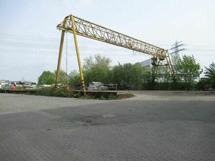 3000m² Freifläche mit Kranbahn , Schiffsentladung möglich