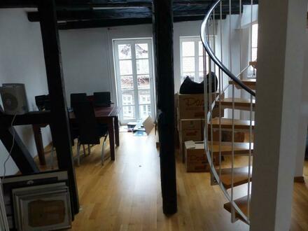 Wohnen in BS-Magniviertel - 2 Zi.-Dachgeschoßmaisonette mit Einbauküche im Fachwerkhaus