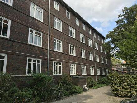 Modernisiert und frei geliefert 2 1/2 Zimmer Eigentumswohnung mit Denkmalschutz