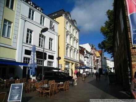 Großzügiges Wohnen im historischen Stadtzentrum am Nordermarkt.