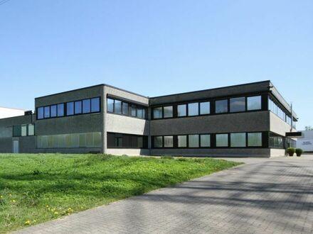 Gewerbeareal mit Hochregallagerflächen nahe Autobahn A1 in Barsbüttel