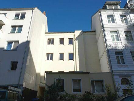 Zwei interessante Mehrfamilienhäuser mit Potential und in bester Wohnlage
