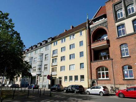 Zu Fuß in die City oder in die Herrenhäuser Gärten: Sonnige & großzügige 3-Zi.-Wohnung mit Balkon