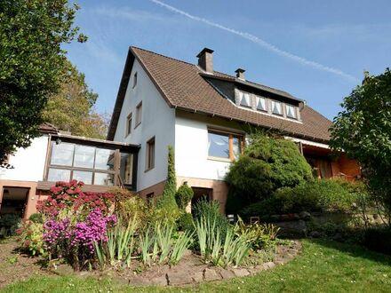 Panoramaausblick inklusive: Großzügiges & gepflegtes 1- bis 2-Familienhaus mit schönem Garten