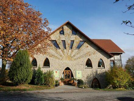 Ansprechendes & individuelles Wohn-/Geschäftshaus mit Panoramablick über das schöne Weserbergland