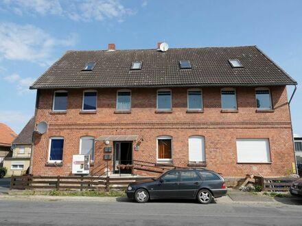 Mehrfamilienhaus für Vermietung oder große Familien in verkehrsgünstiger Lage