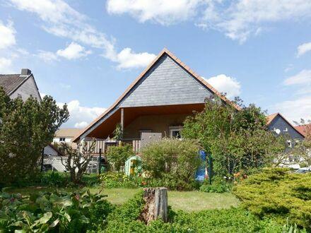 Familienfreundliches EFH mit großer sonniger Loggia, Garten und Doppelgarage