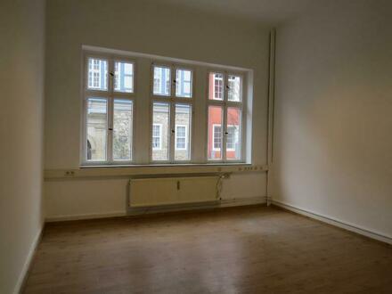 2 Raum-Büro mit großem Archiv in der Wolfenbütteler Innenstadt - kurzfristig frei