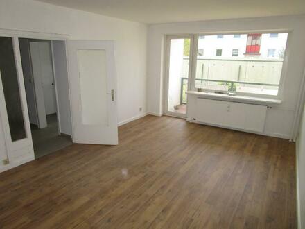 7007.101108 - Schöne, modernisierte 2-Zimmer-Wohnung mit Einbauküche, Vollbad und Loggia