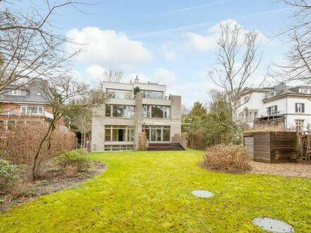 Luxus-Wohnung mit großem Süd/West-Garten in Elbnähe