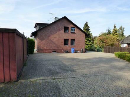 V E R K A U F T ! Gepflegtes Zweifamilienhaus auf großem Grundstück in toller Ortsrandlage (frei lieferbar)