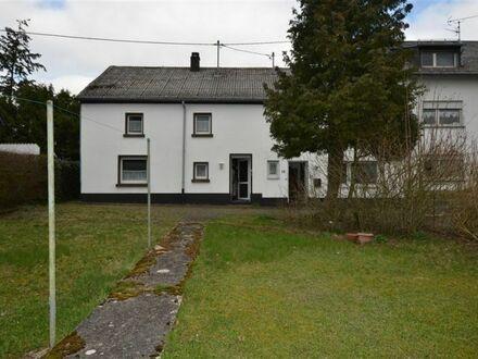Geräumiges Doppelhaus mit viel Platz für die große Familie und großem Garten Schüller
