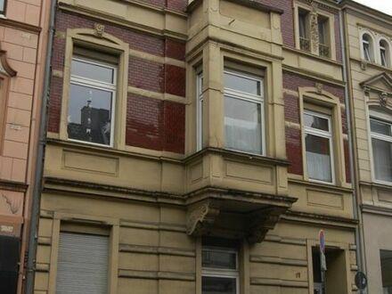 Wohn-/Geschäftshaus mit Ausbaureserve im Zentrum von Bergisch Gladbach