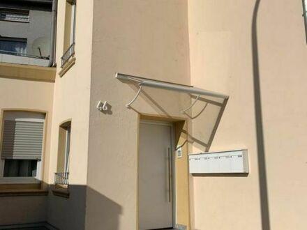 neubauartiger Zustand: 2,5 Zi. Wohnung im Erdgeschoss