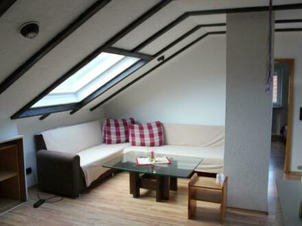 Möblierte 2-Zimmerwohnung im Dachgeschoss in bezugsfertigem Zustand!