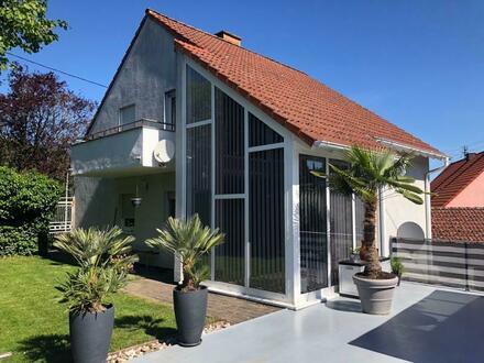 Zeitlos schönes Einfamilienhaus mit möglicher Einliegerwohnung sowie Nebengebäude mit vielen Nutzungsmöglichkeiten!