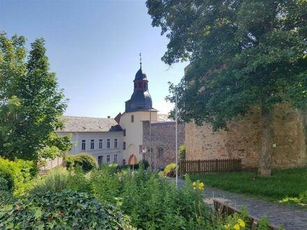 EUPORA® Immobilien: Dach-Wohnung in der Innenstadt von Kirchheimbolanden