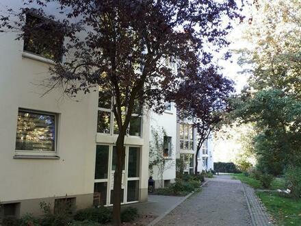 Schöne 3,5-Raum-Wohnung mit Wintergarten zu vermieten (WBS erforderlich)!