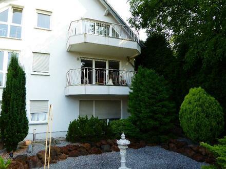 3-Familienhaus mit Büroeinheit der besonderen Art - erstklassig und einzigartig mit traumhaft angelegtem Garten in Leverkusen