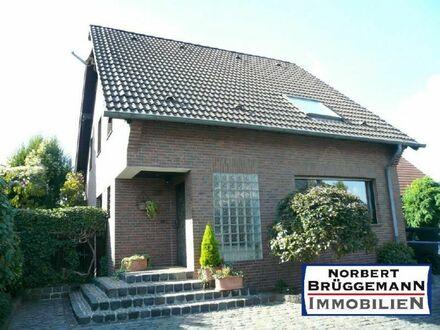 - Wohnhaus mit SAUNA und Garage -