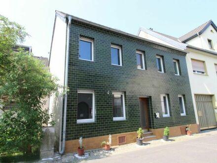 Sanierungsbedürftiges Haus mit Potenzial