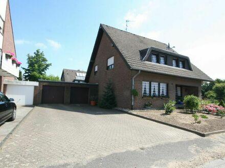 **Einfamilienhaus im grünen in ruhiger Lage freistehend in Rheindahlen zu verkaufen!